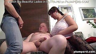 Threesome with lush mature women and old Irish stud